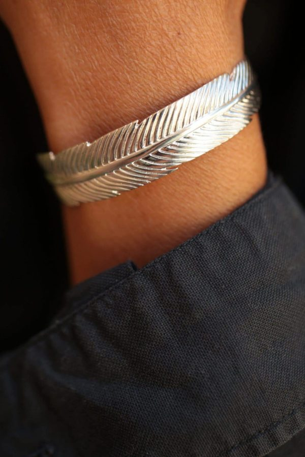 feather-silvery-bracelet-2