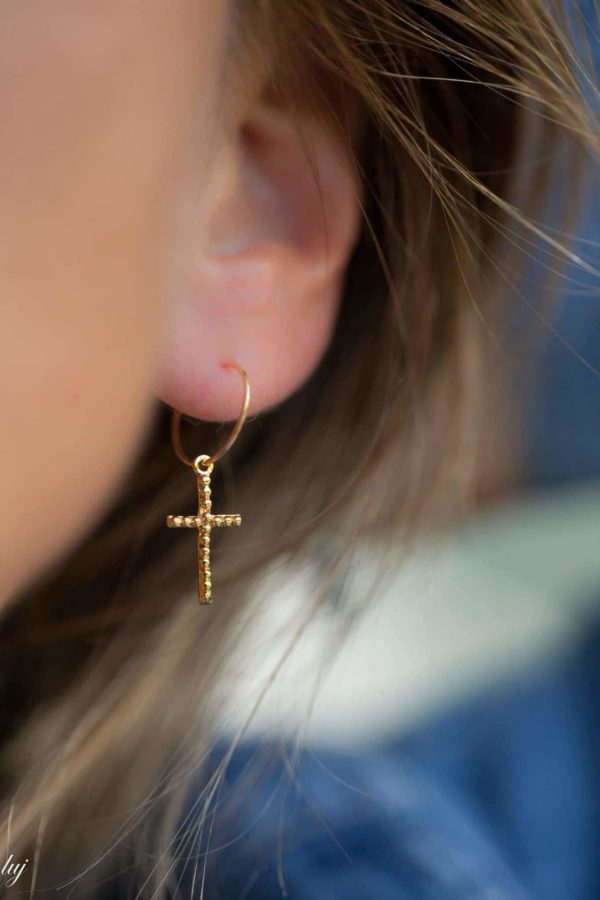tiny-hoop-earrings-thin-crosses-3