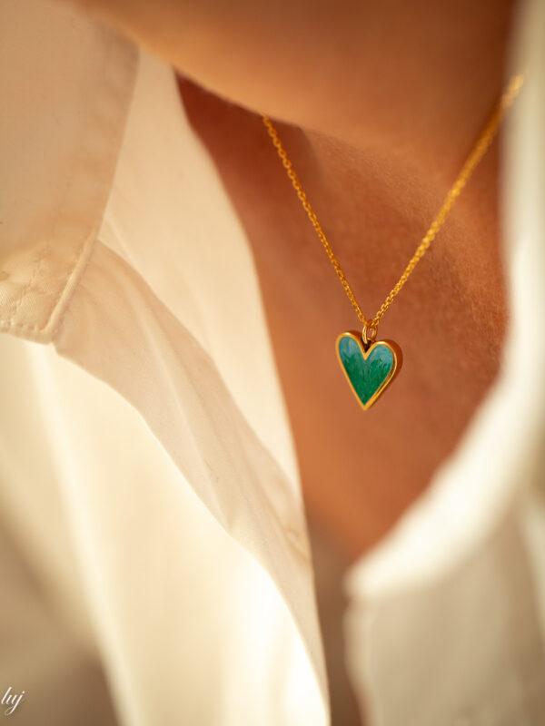 collier ras de cou charm coeur emaille ava luj paris bijou